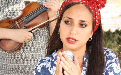 בדרך לבמה עם הזמרת ספיר גזבר – איך לנהל להקה
