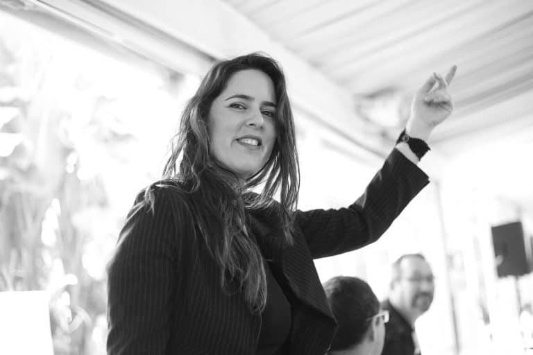 בדרך לבמה עם הזמרת סלעית בירן – איך להתאים את עצמך לקהל
