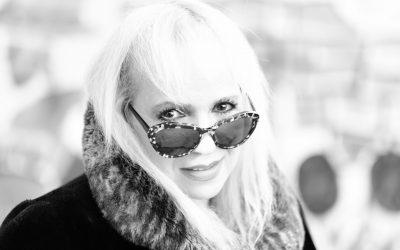 בדרך לבמה עם הזמרת נורית האן זיגלר – איך להגיש שיר לרדיו