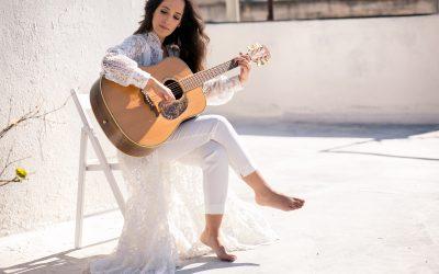בדרך לבמה עם הזמרת כרמי שימרון – על הדרך לבמה